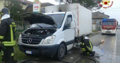 Vigili del Fuoco - Osimo, incendio autocarro