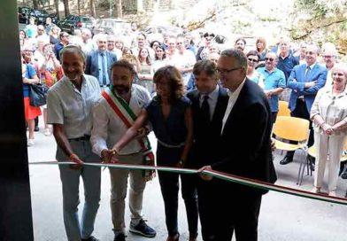 Il presidente Ceriscioli all'inaugurazione delle terme di Acquasanta