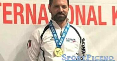 PAVONI ALLA BLACK BELT KARATE CUP
