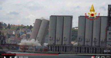 abbattuti due di una serie di silos
