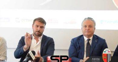 """Al casale la presentazione del nuovo mister bianconero: Zanetti """"Un sogno ritornare"""""""