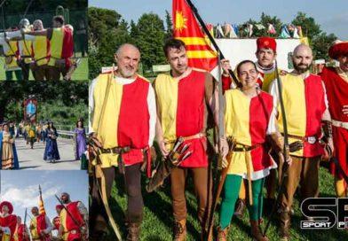 Palio degli Arcieri alla contrada Certosa: è il primo successo storico