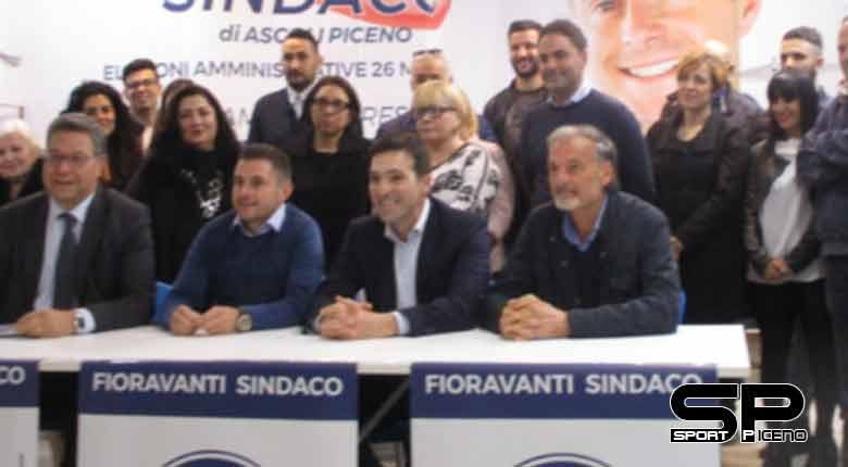 Fratelli d'Italia sul territorio per la raccolta firme #ELEZIONISUBITO