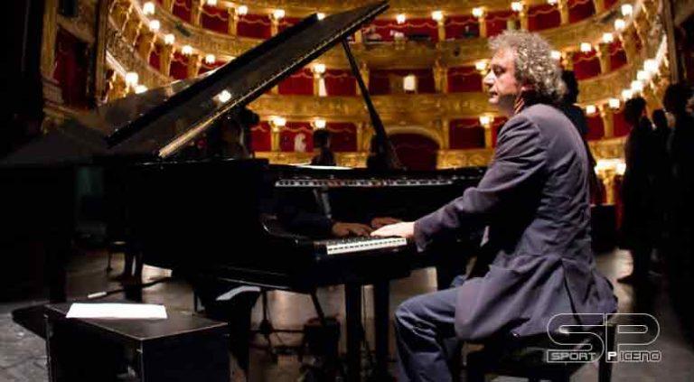 ROBERTO CACCIAPAGLIA  Il pianista e compositore  ANNUNCIA IL NUOVO TOUR  DIAPASON – Piano Solo Concert