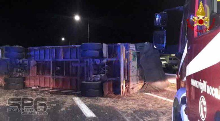 Vigili del Fuoco – A14 Incidente stradale