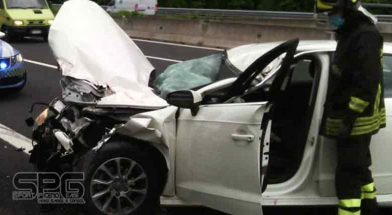 Vigili del fuoco – A14, incidente stradale