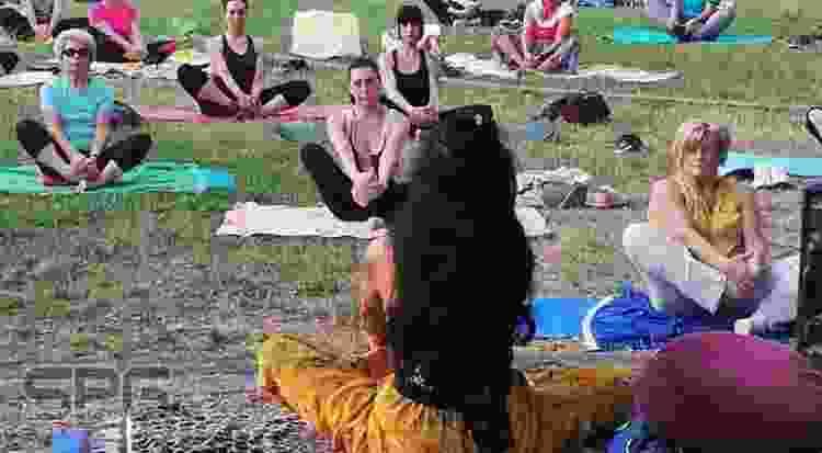 """Si Avvia Alla Conclusione """"summer Yoga"""" A Folignano"""