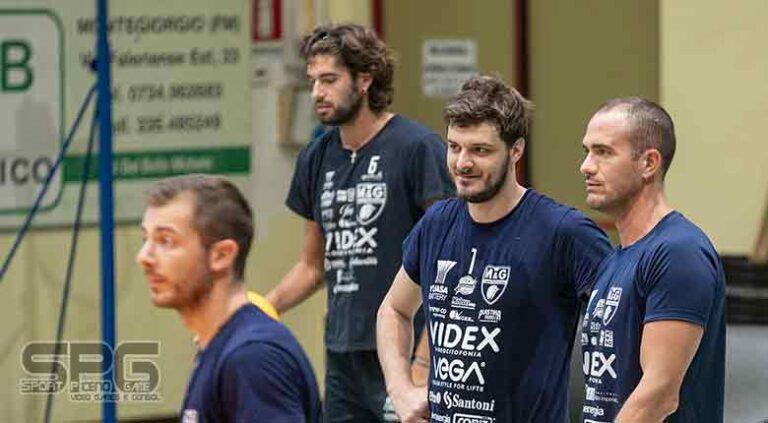 Videx, Continua il lavoro dei ragazzi in palestra.
