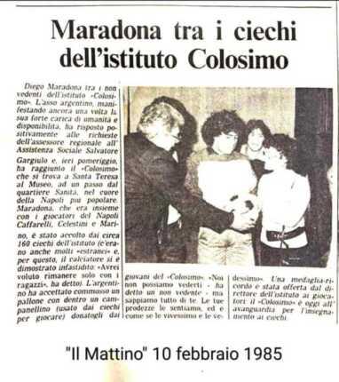 Maradona Tra I Ciechi Dell'istituto Colosimo