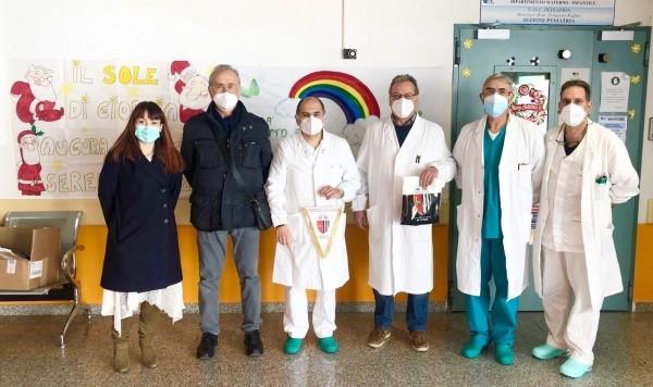 L'Ascoli in visita al reparto di Pediatria